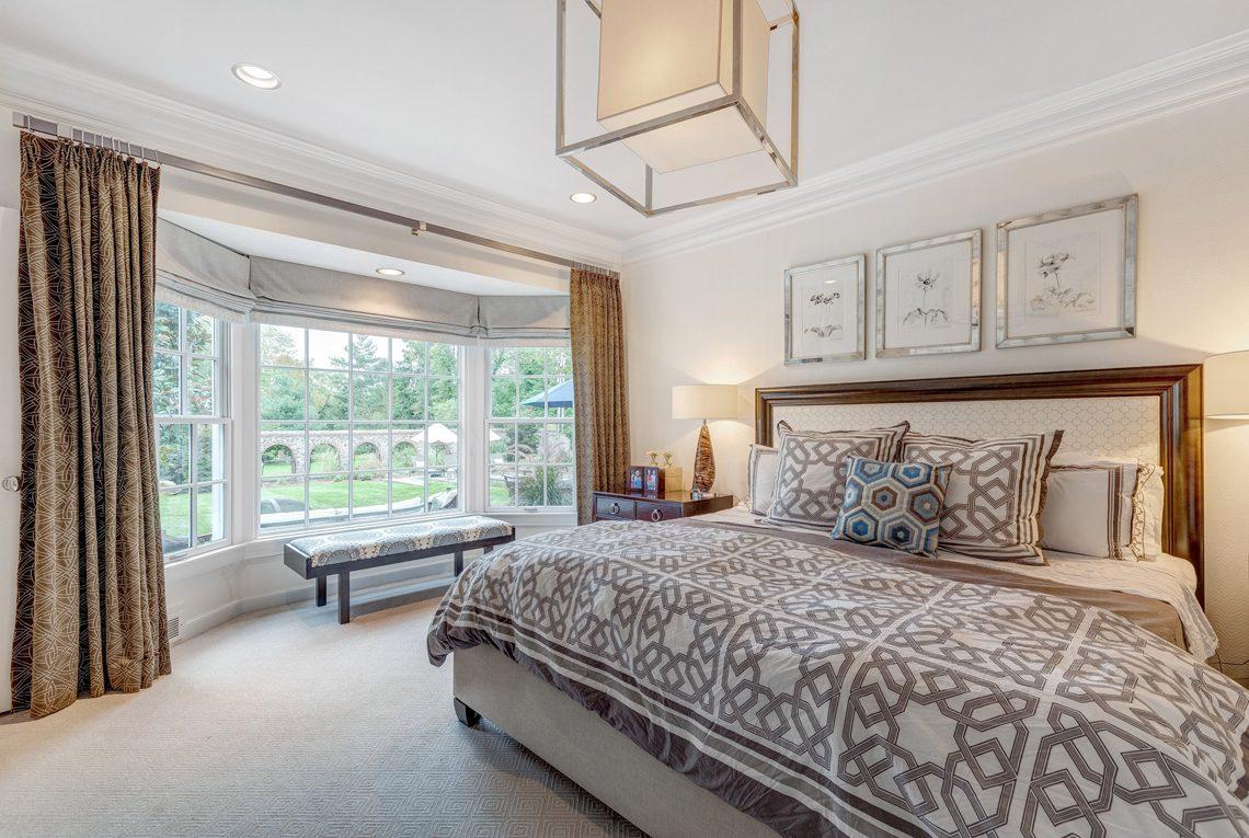 13 – 2 E Beechcroft Road – Master Bedroom