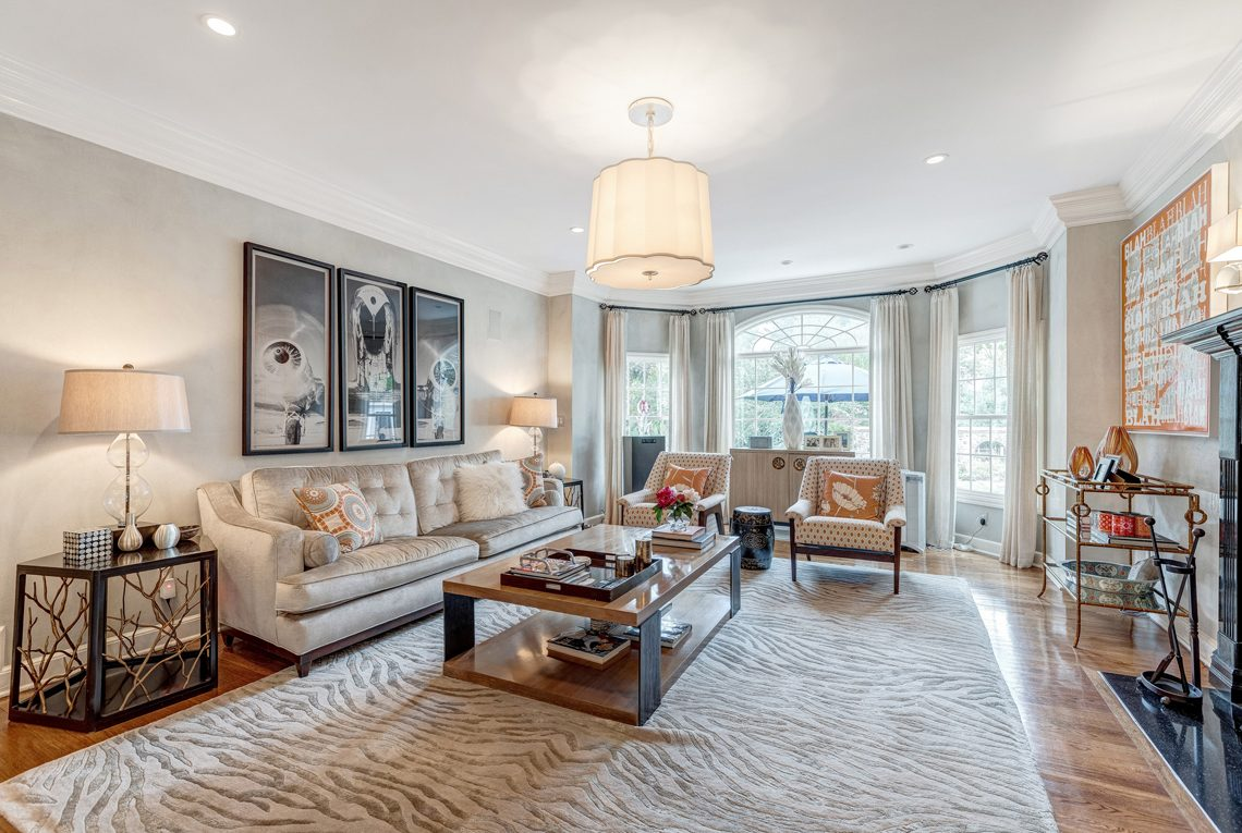6 – 2 E Beechcroft Road – Living Room