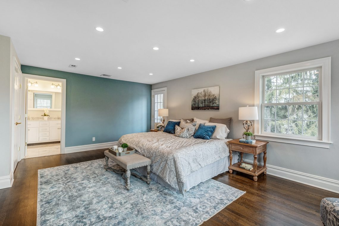 17 – 11 Washington Avenue – Master Bedroom