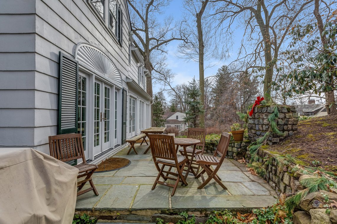 23 – 20 Hemlock Road – Back Patio