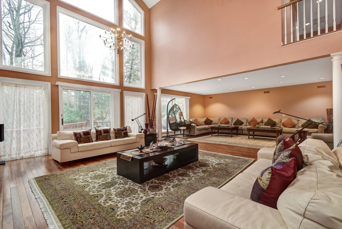 4 – 1 Lenape Road – Incredible Great Room