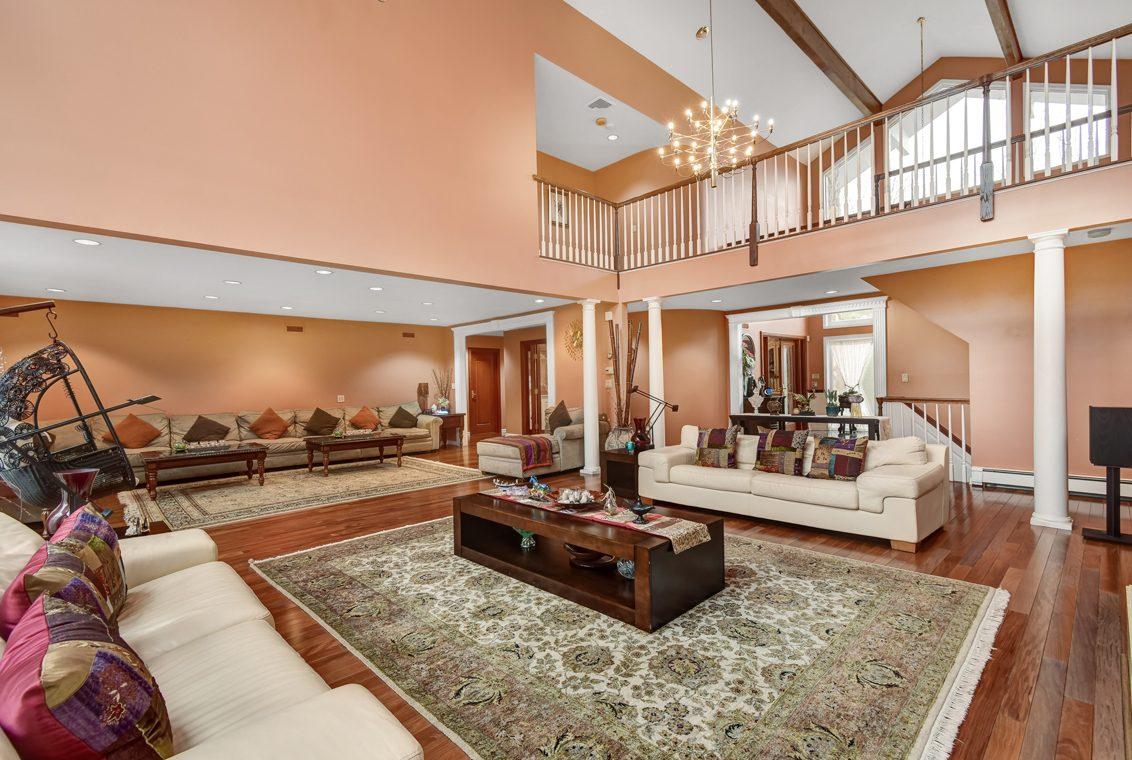 5 – 1 Lenape Road – Incredible Great Room