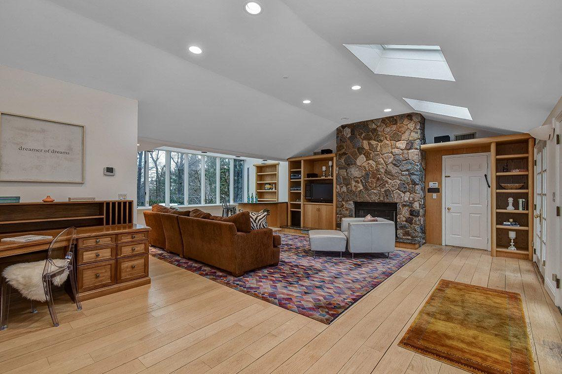12 – 150 Hartshorn Drive – Family Room
