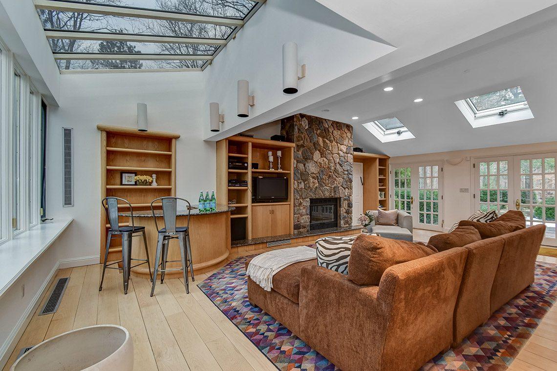 13 – 150 Hartshorn Drive – Family Room