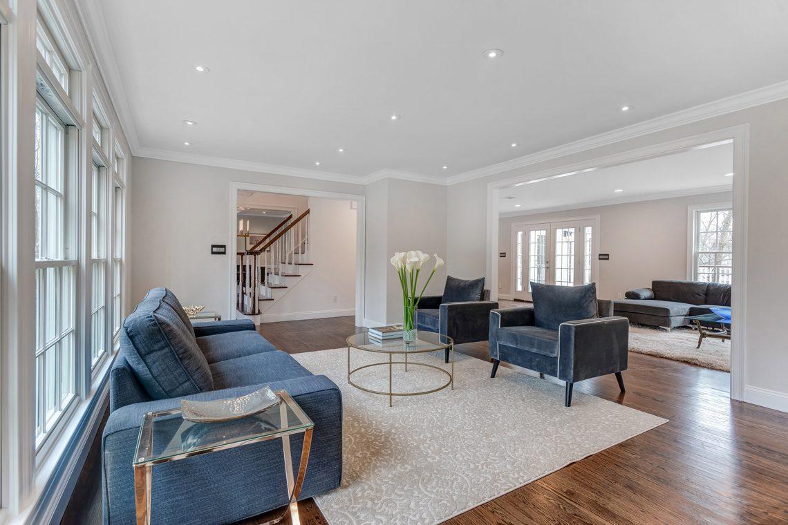 11 – 38 Barnsdale Road – Living Room