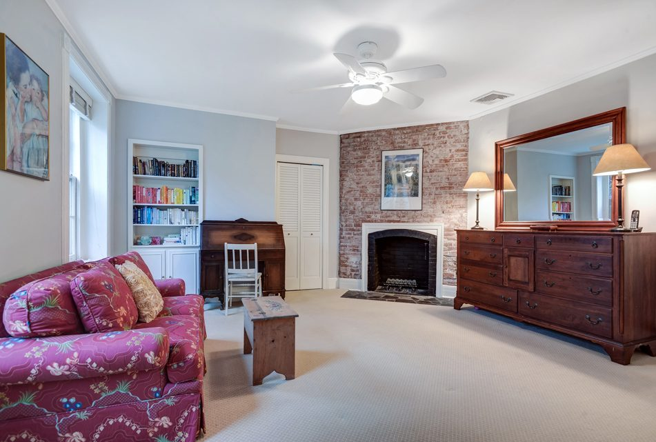 15 – 18 Chestnut Place – Master Bedroom
