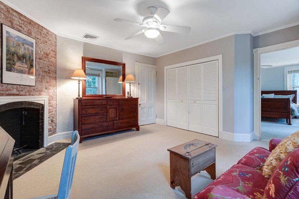 16 – 18 Chestnut Place – Master Bedroom