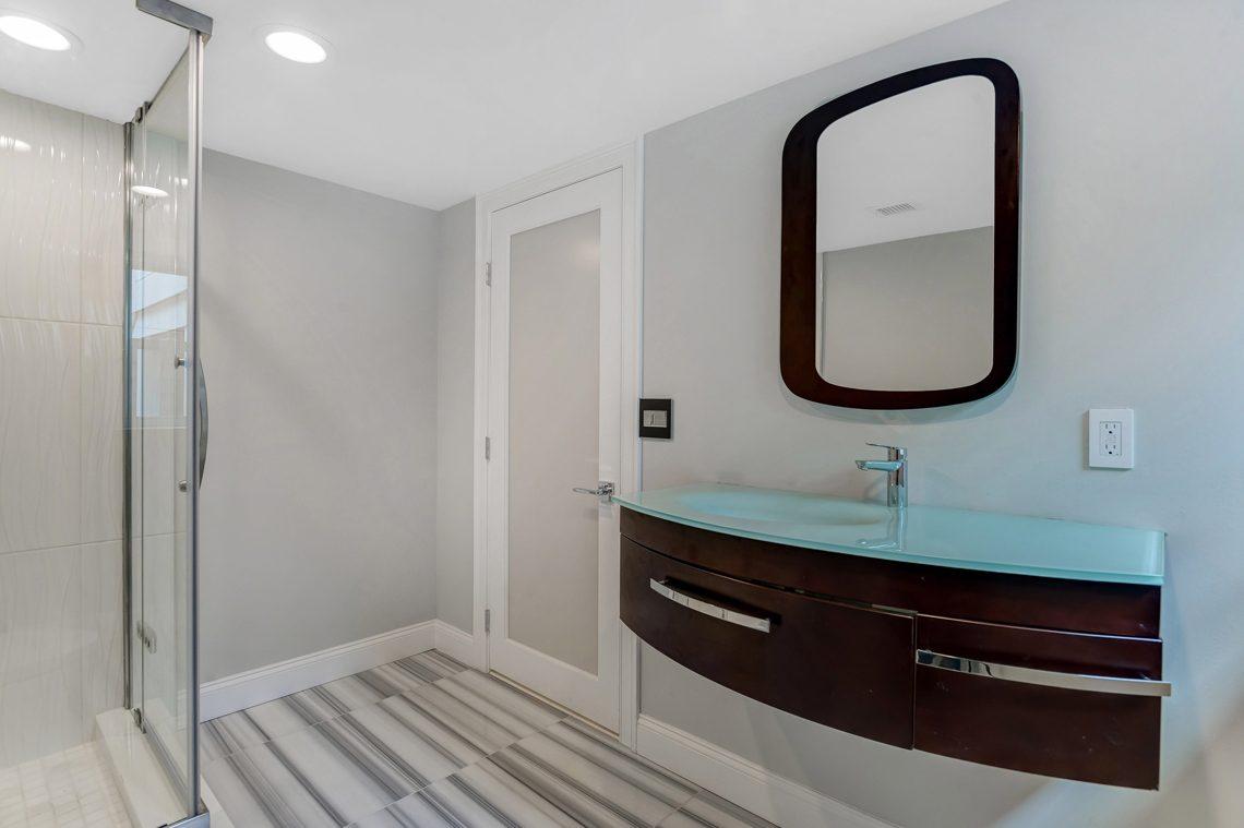 21 – 38 Barnsdale Road – Lower Level Full Bath