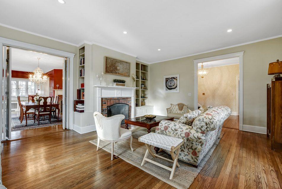 4 – 18 Chestnut Place – Living Room