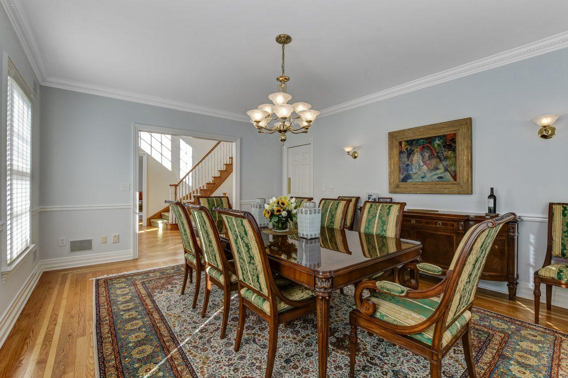 7 – 26 Woodcrest Avenue – Dining Room