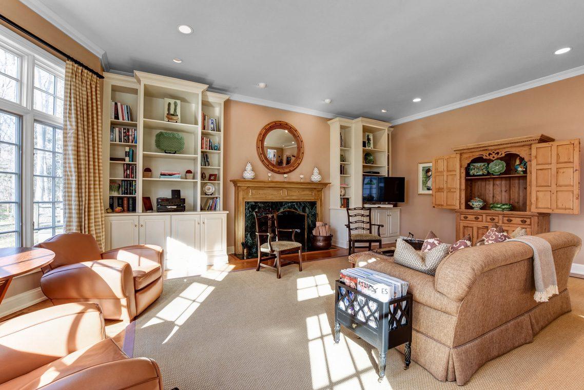 16 – 26 Sand Spring Lane – Family Room