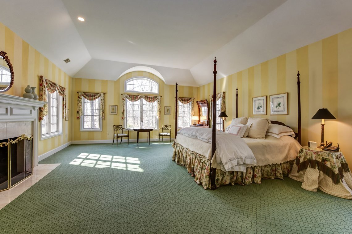 20 – 26 Sand Spring Lane – Master Bedroom