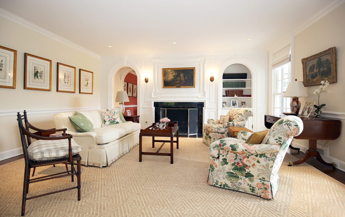 7 – 92 Lake Road – Living Room