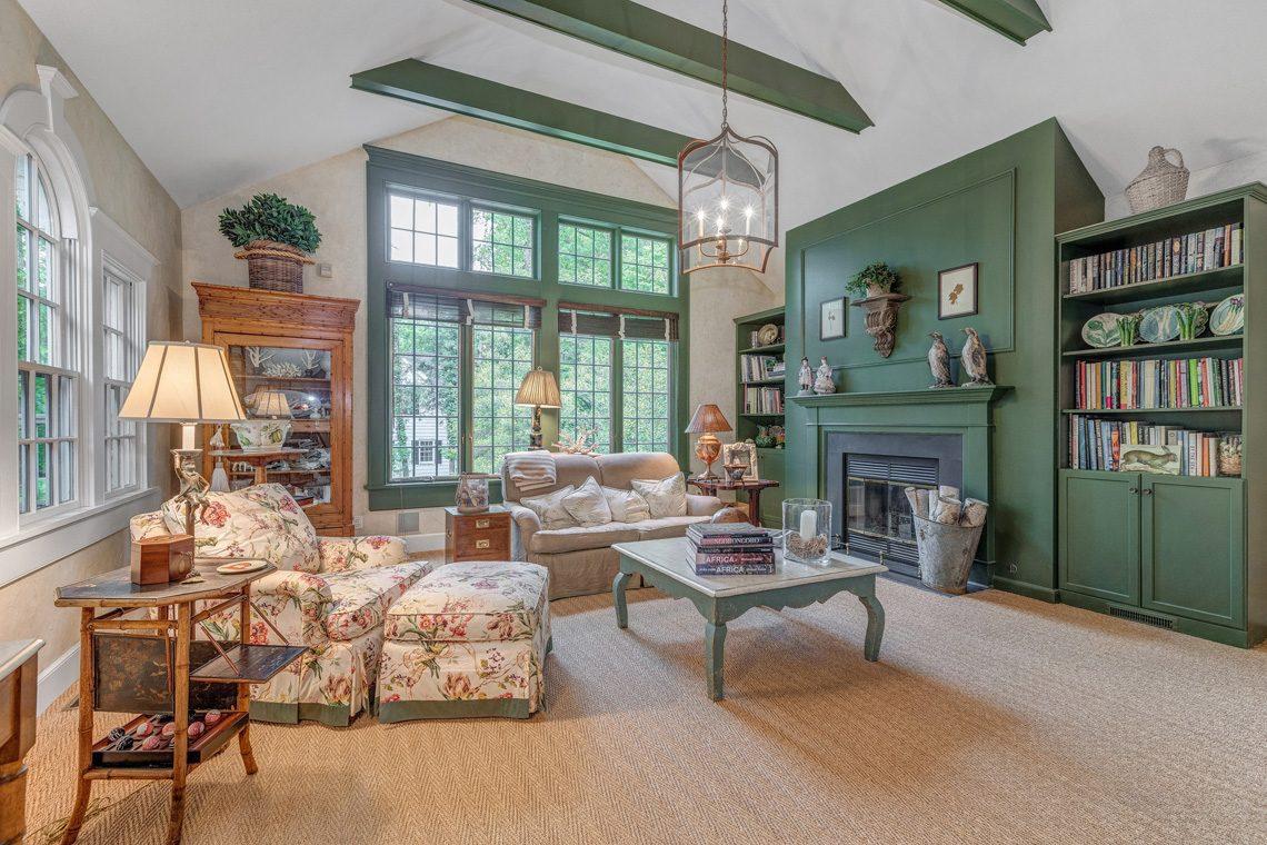 11 – 11 Lake Road – Family Room