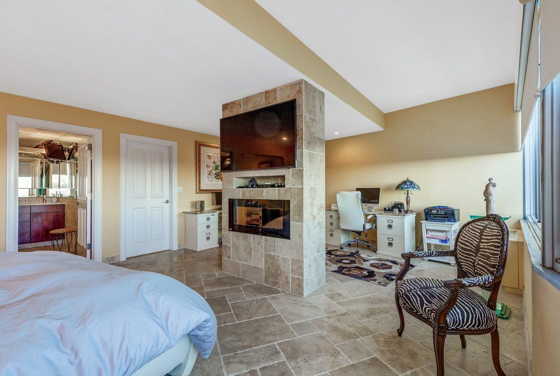 16 – 1 Claridge Drive – Master Bedroom