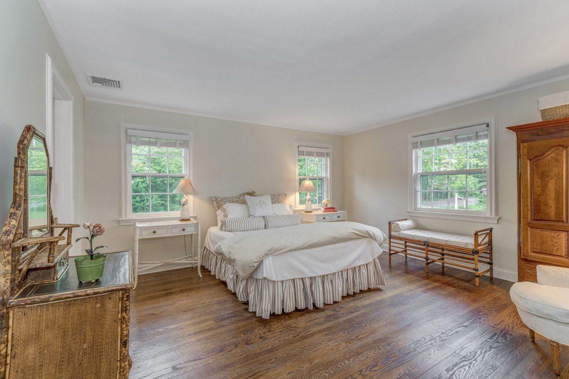 19 – 11 Lake Road – Bedroom 2
