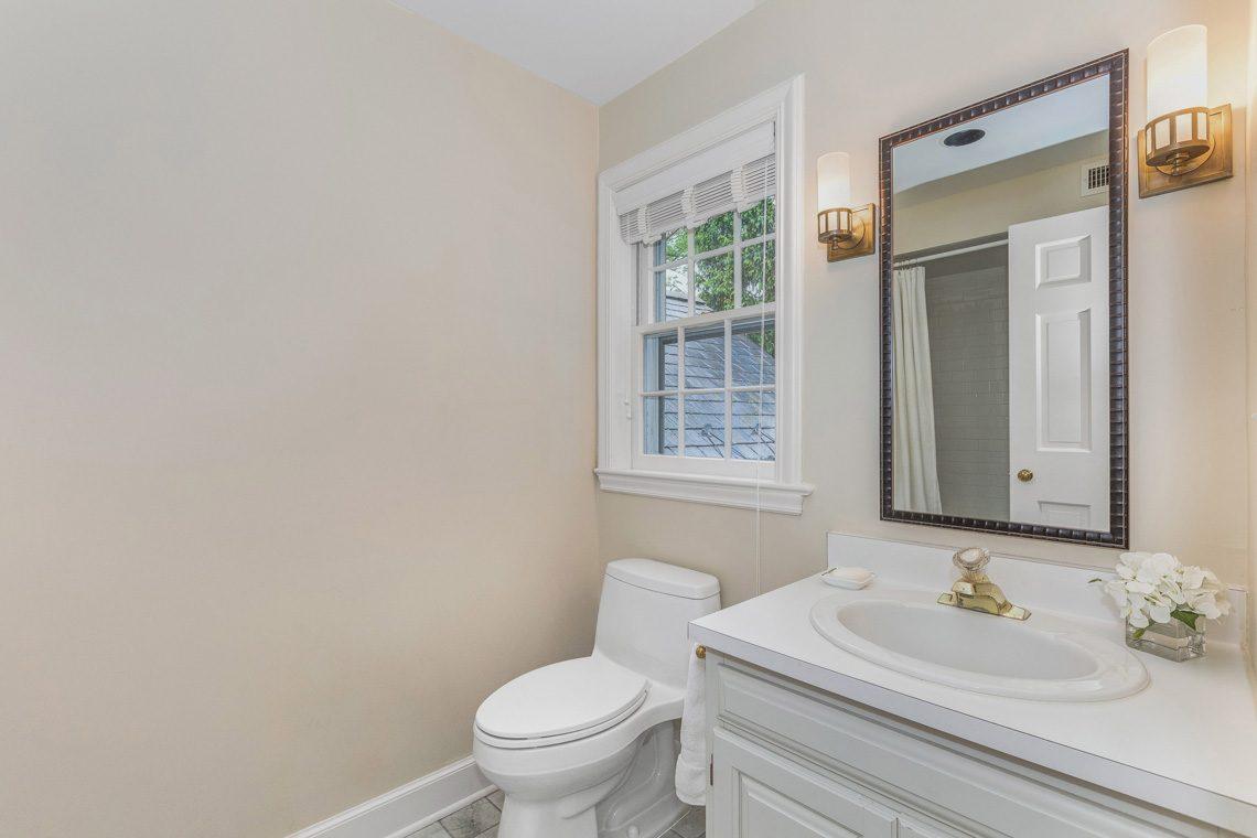 20 – 11 Lake Road – Bedroom 2 En Suite Bath