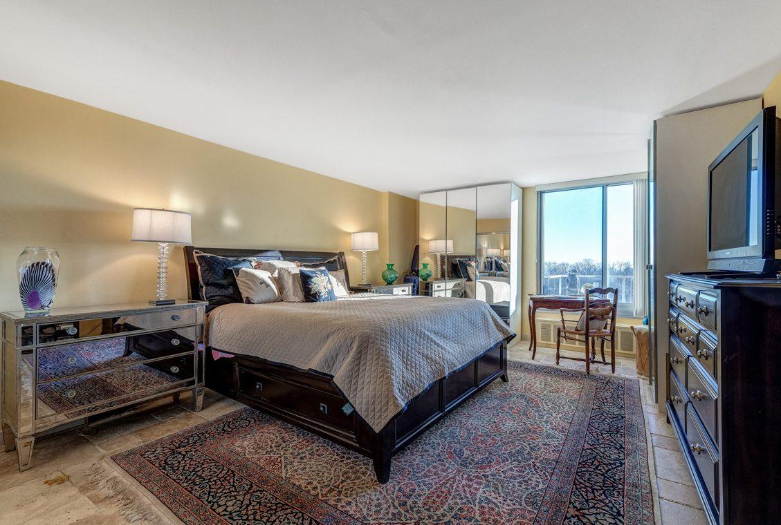 21 -1 Claridge Drive – Bedroom