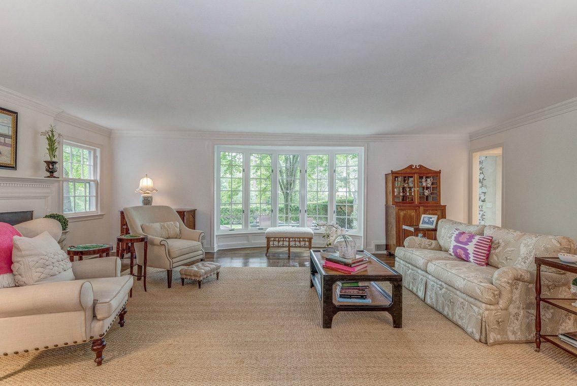 3 – 11 Lake Road – Living Room