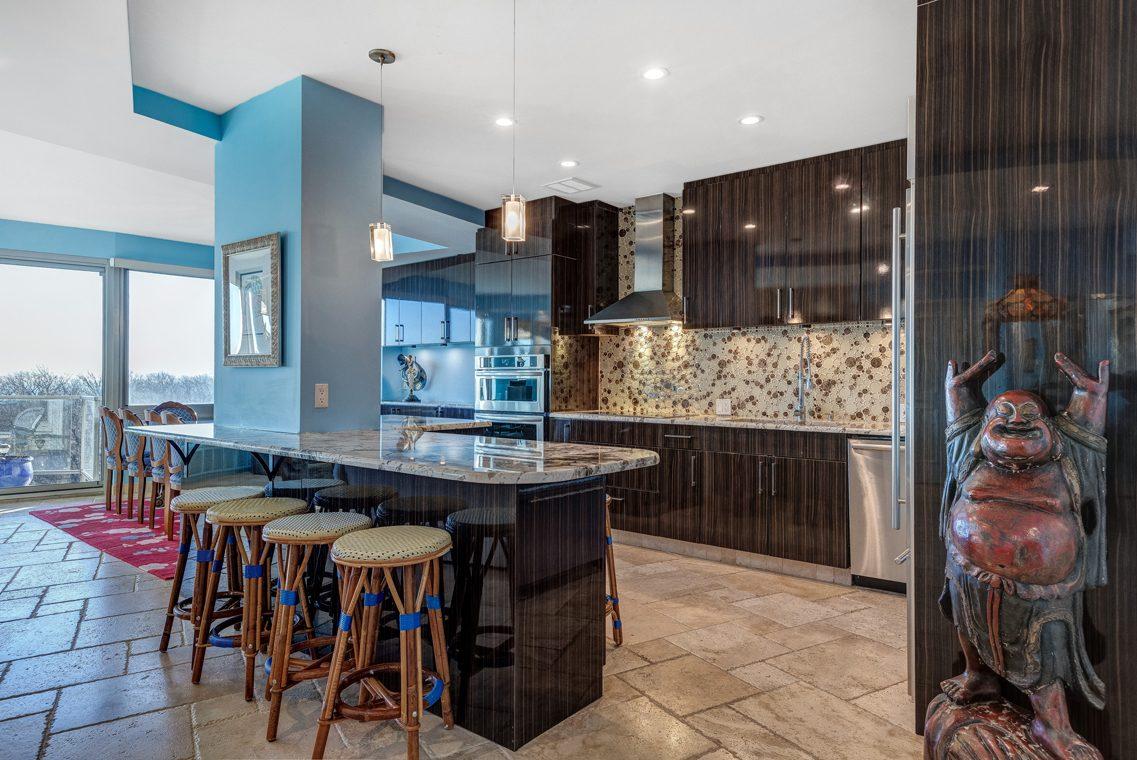 7 – 1 Claridge Drive – Kitchen