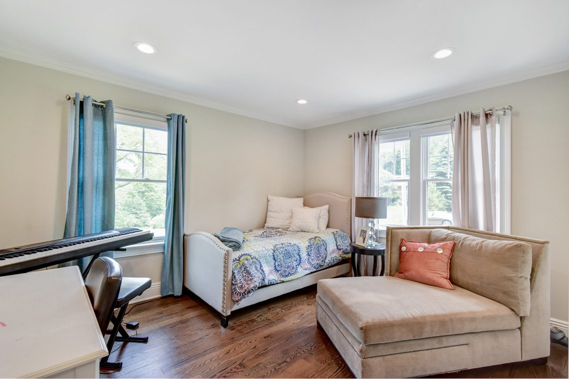 10 – 137 Silver Spring Road – 1st Level Bedroom
