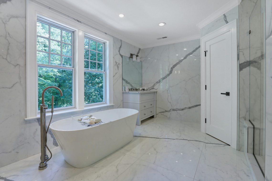 20 – 281 Hartshorn Drive – Master Bath