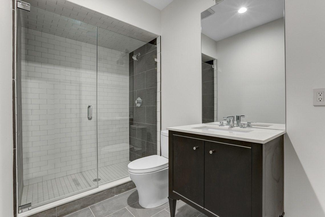 24 – 281 Hartshorn Drive – Lower Level Bath