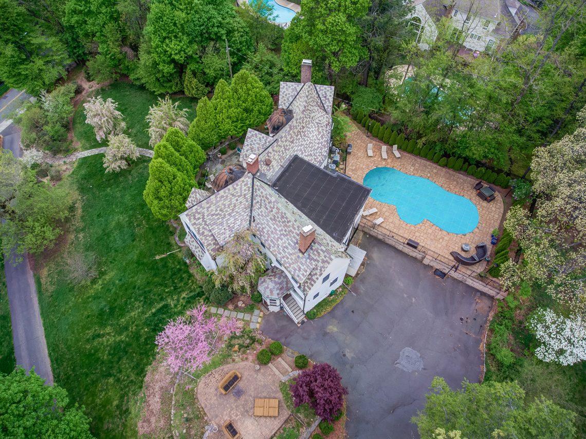 24 – 407 Hobart Avenue – Stunning Property