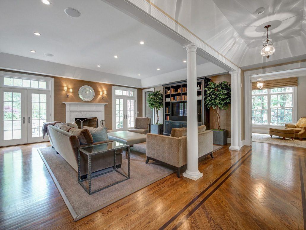 6 – 28 Montview Avenue – Family Room