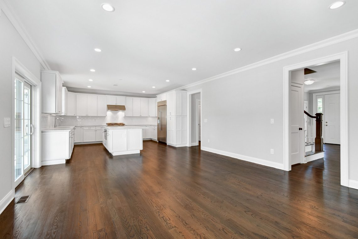 10 – 32 Great Hills Road – Family Room into Kitchen