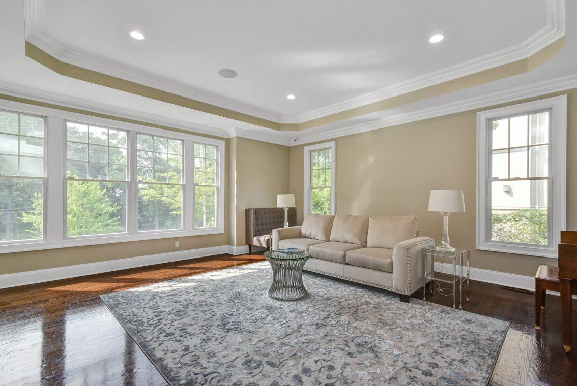 10 -36 Troy Drive – Living Room