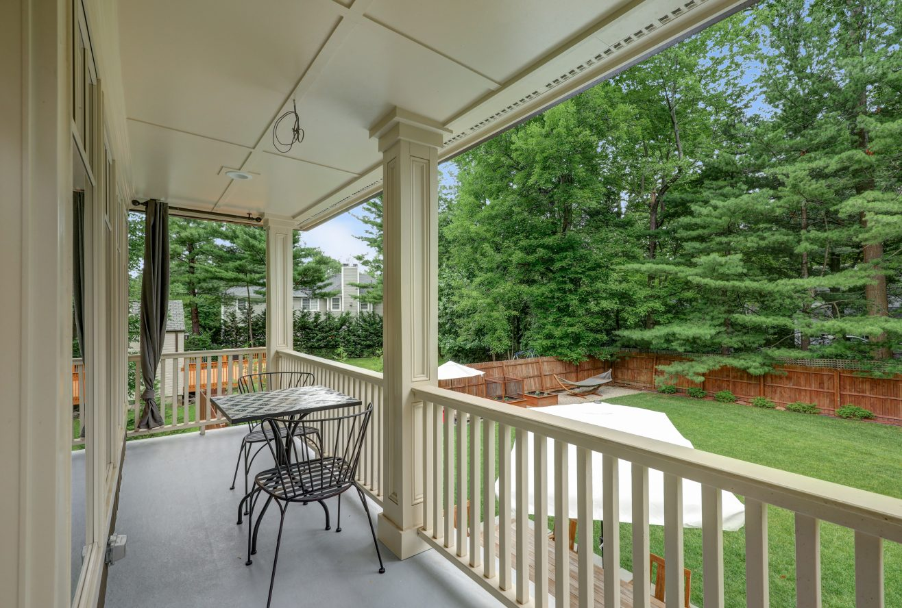 13 – 20 White Oak Ridge Road – Master Balcony