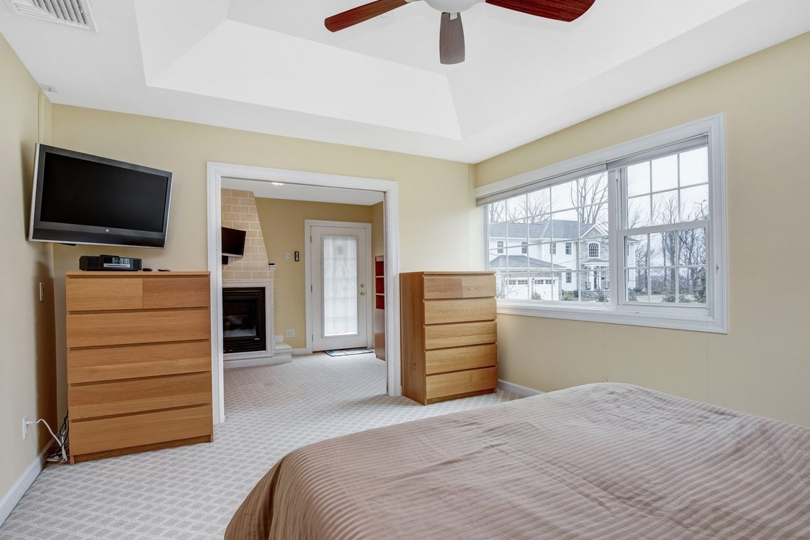 14 – 10 Eliot Place – Master Bedroom