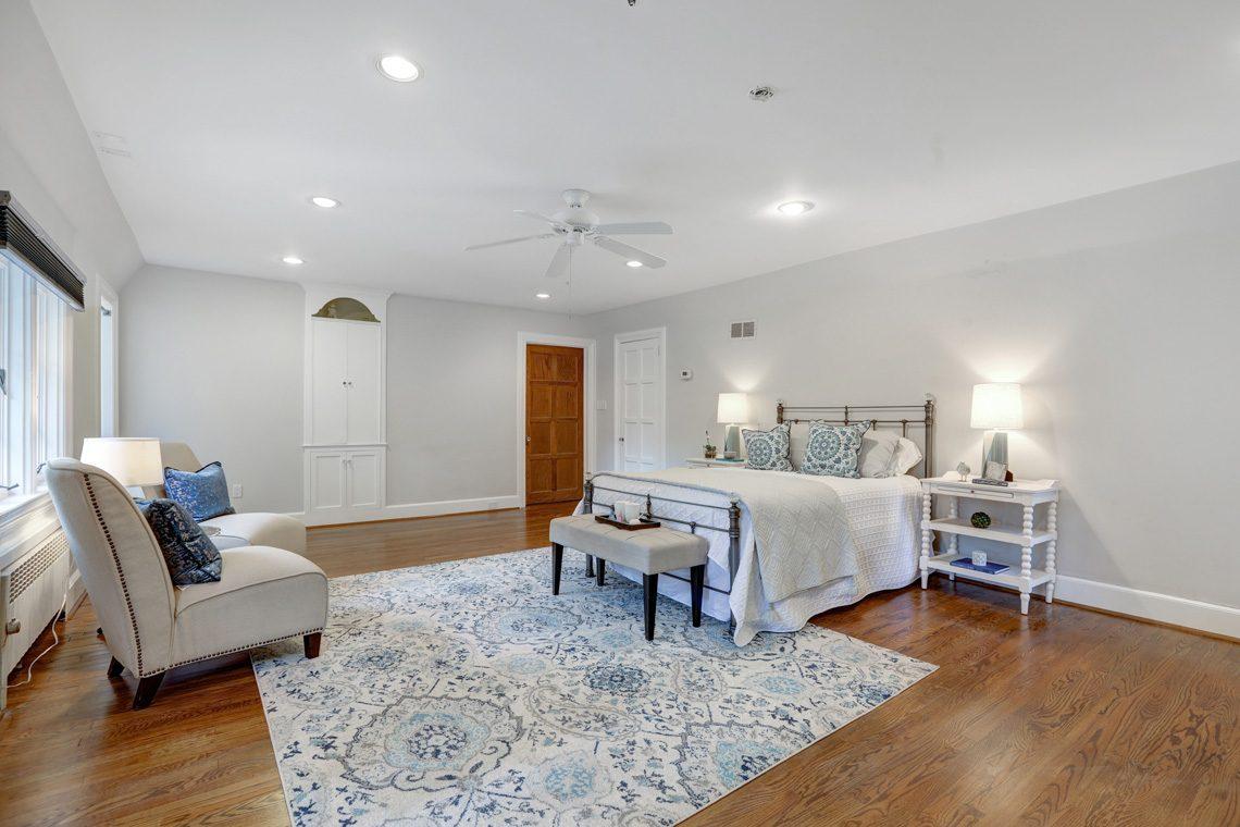 14 – 27 Barnsdale Road – Master Bedroom