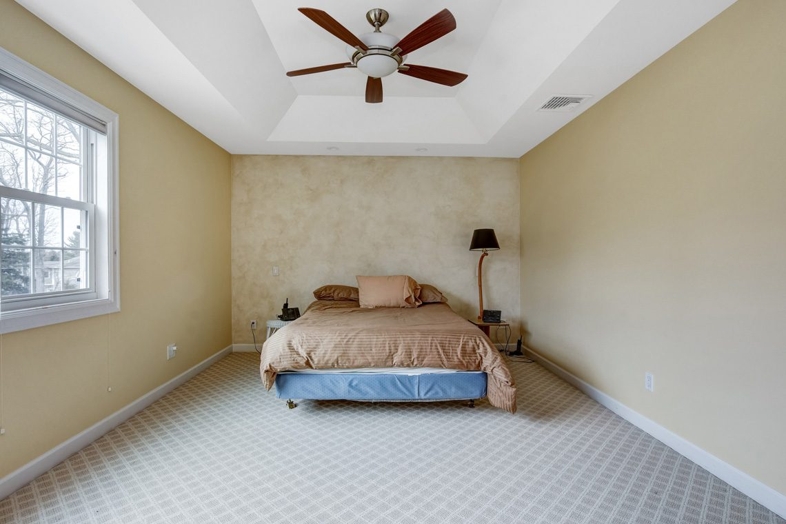 15 – 10 Eliot Place – Master Bedroom