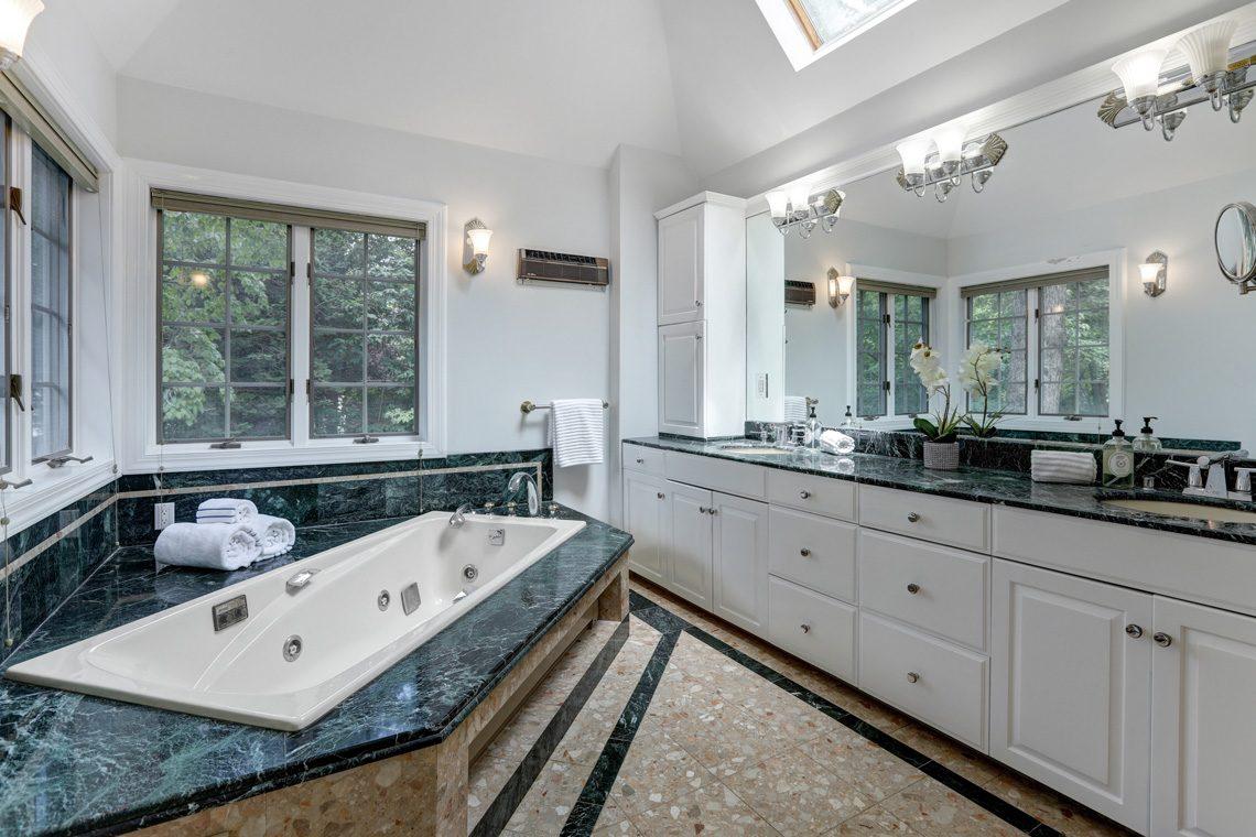 15 – 27 Barnsdale Road -Master Bath