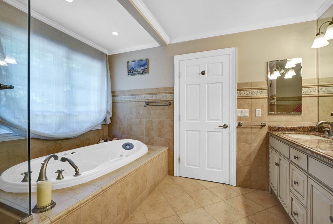 16 – 48 Holly Drive – Spa-like Master Bath
