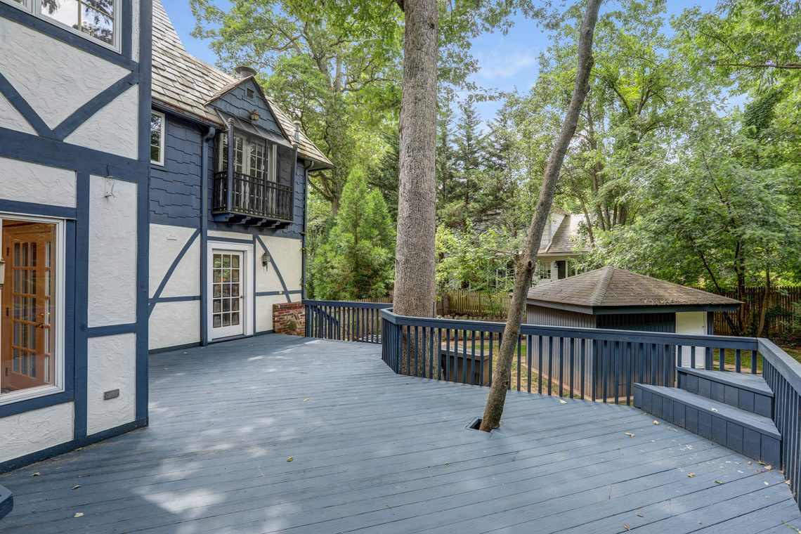 23 – 27 Barnsdale Road – Incredible Deck