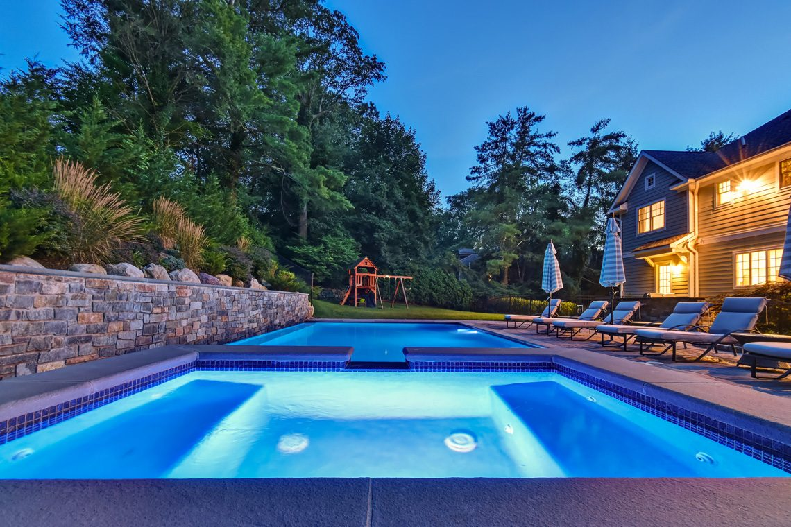 23 – 36 Troy Drive – Stunning Pool