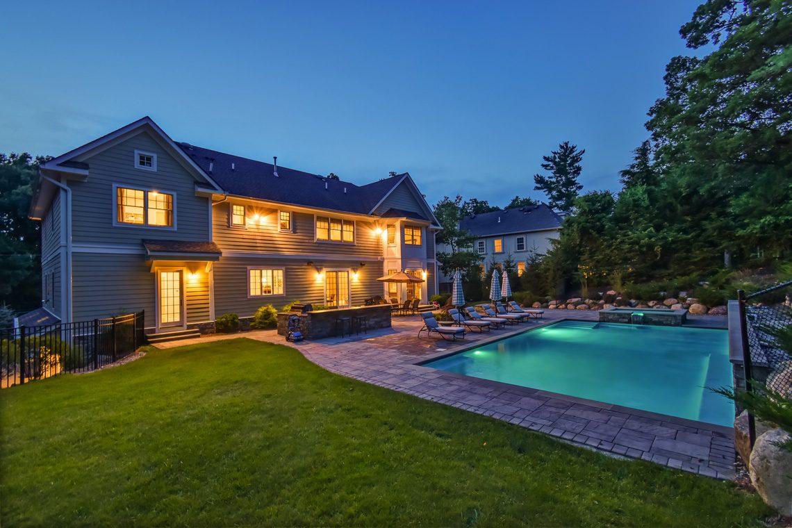 24 – 36 Troy Drive – Gorgeous Backyard