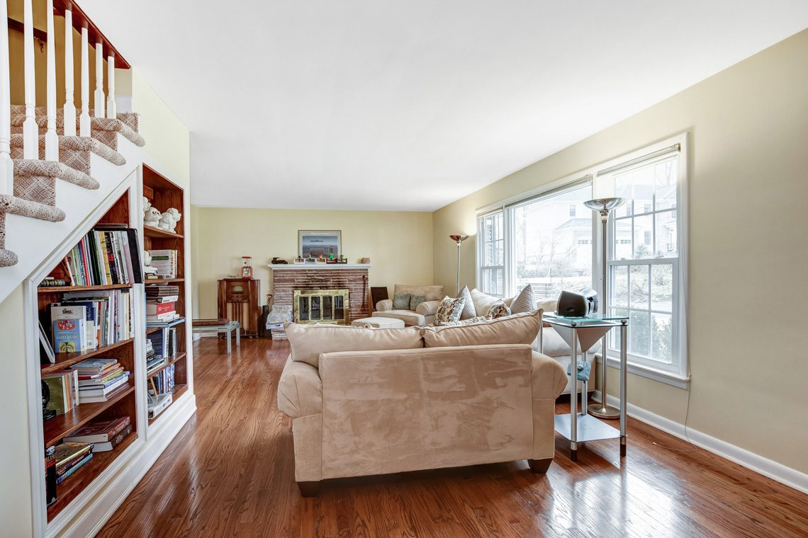 3 – 10 Eliot Place – Living Room
