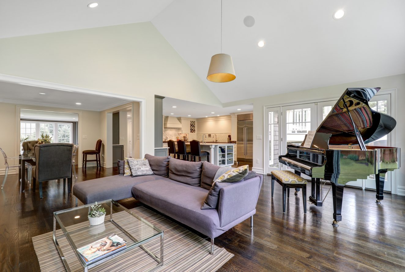 5 – 220 White Oak Ridge Road – Family Room
