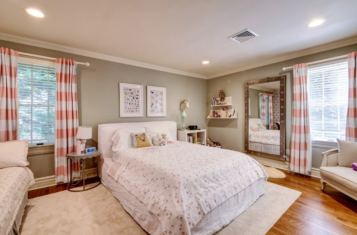 12 – 42 Sunset Drive – Guest Suite