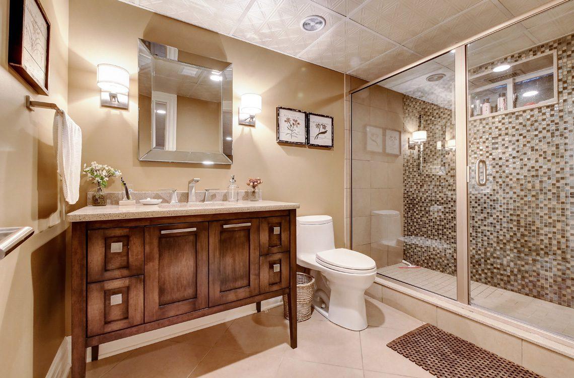 19 – 42 Sunset Drive – Lower Level Full Bath