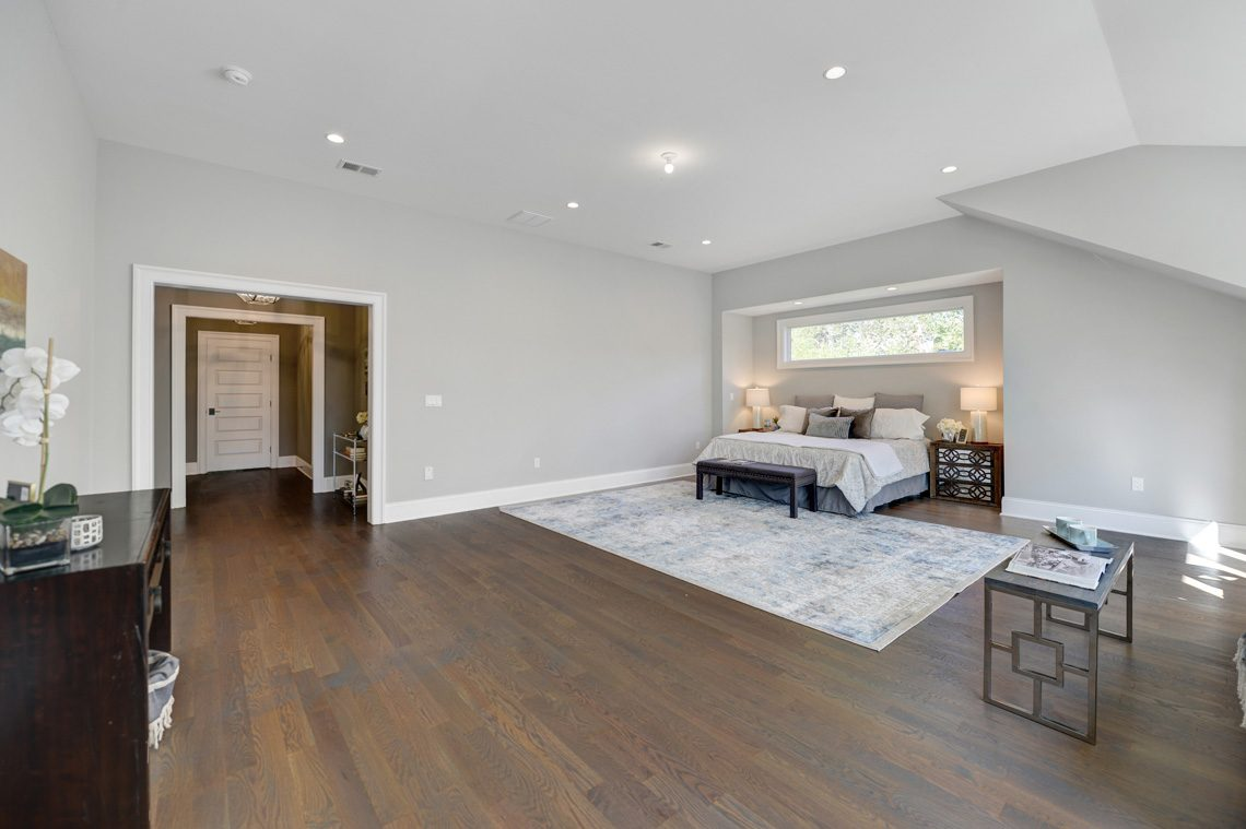 13 – 40 Hillside Avenue – Master Bedroom