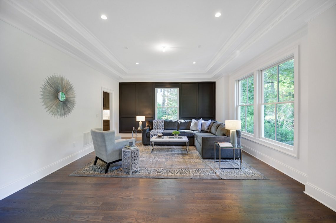 4 – 40 Hillside Avenue – Living Room