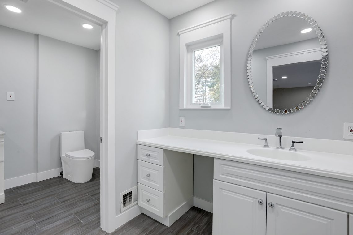 14 – 9 Highview Road – In-law Suite En Suite Bath