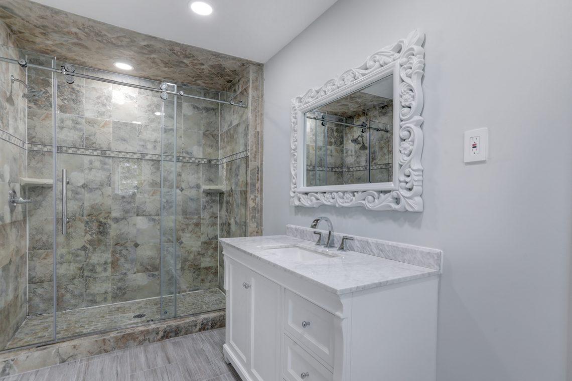 15 – 9 Highview Road – In-law Suite En Suite Bath