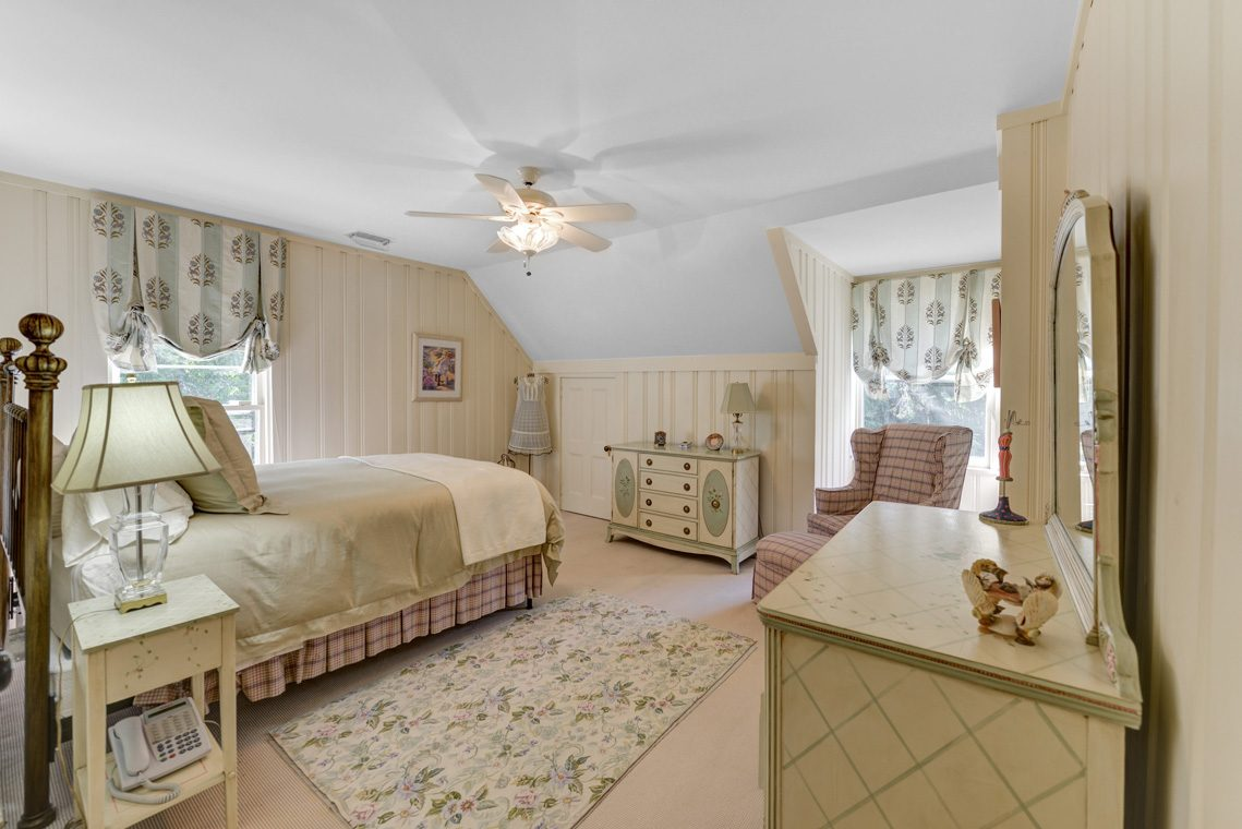 16 – 118 Forest Drive – Bedroom