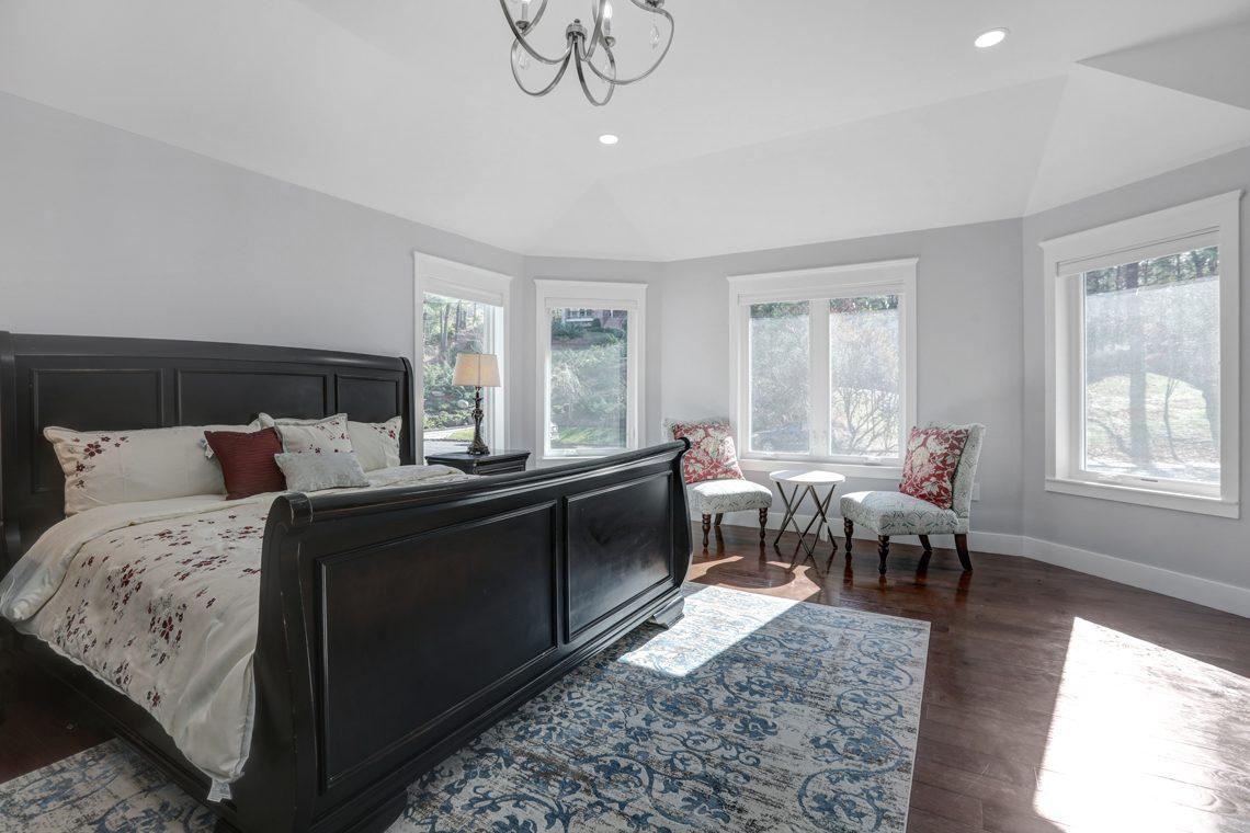 16 – 9 Highview Road – Master Bedroom